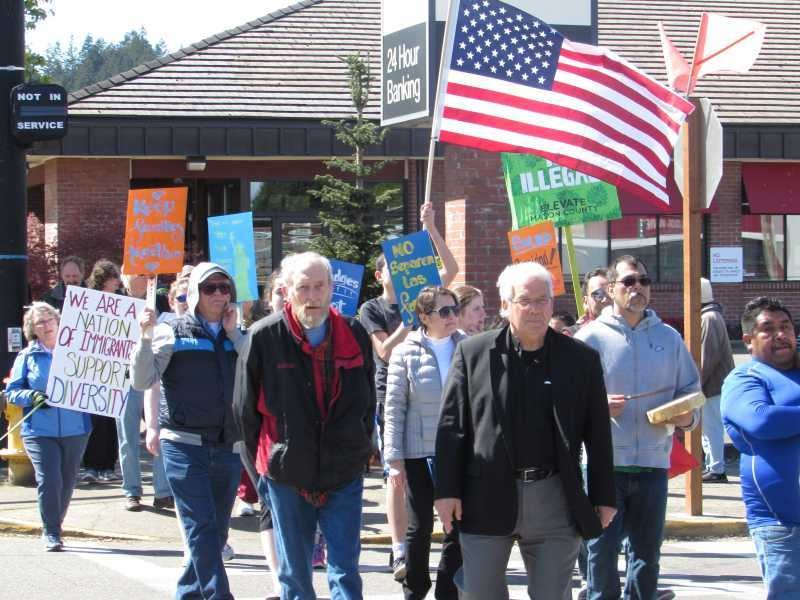 Shelton, WA Neighbors for Immigrant Rights March